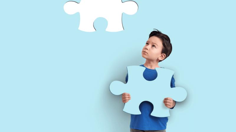 kind met puzzelstuk